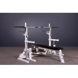 Ławka dwufunkcyjna (do zawodów w trójboju siłowym) prosta szeroka ze stojakami do wyciskania sztangi leżąc z zabezpieczeniami i